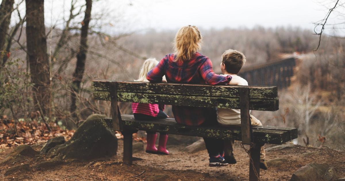 You are currently viewing ParentBank: Стартиране на онлайн програма за обучение на самотни родители за изграждане на тяхната грамотност, численост, цифрови компетенции, чувство за инициатива и предприемачески умения